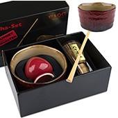 Matcha-Geschenkset Premium von MAOCI, rötlich bemusterte Schale, offen