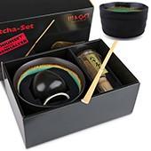 Matcha-Geschenkset Premium von MAOCI, dunkel grüne Schale im Hochglanz-Karton, offen