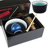 Matcha-Geschenkset Premium von MAOCI, schwarz / bläuliche Schale im Hochglanz-Karton, offen
