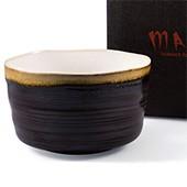 Matcha-Schale 400ml im Geschenkkarton, dunkel mit hellem Rand