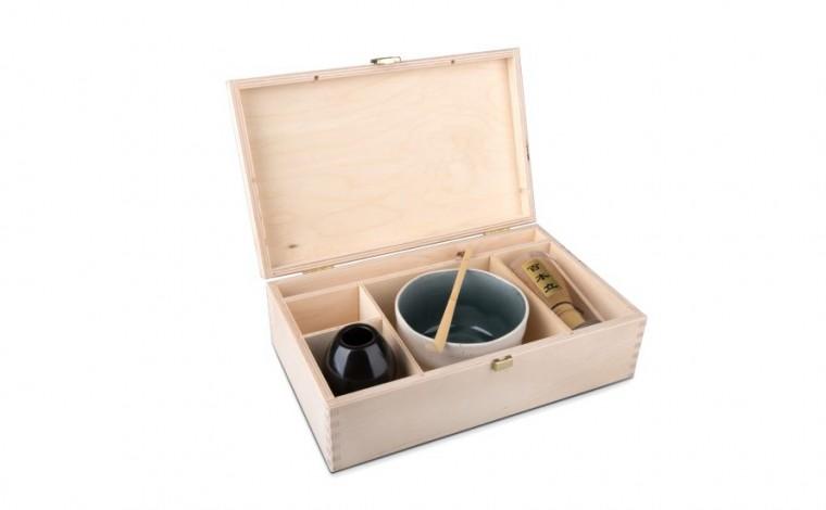 Matcha Geschenkset mit weißer Schale, in natrufarbener Holzbox