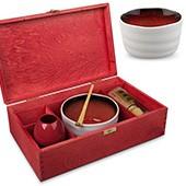Matcha Geschenkset, offene rote Holzbox