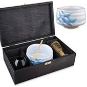 Matcha Geschenkset Suki in schwarzer Geschenkbox, offen