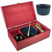 Matchaset groß mit blauer Schale, in roter Holzbox