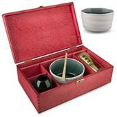 Matcha Geschenkset mit weißer Schale, in roter Holzbox